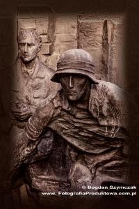 pomnik_powstania_warszawskiego_10