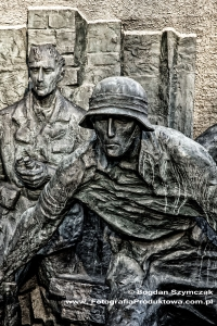pomnik_powstania_warszawskiego_4